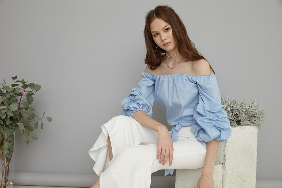 Kanni Ruched sleeves off shoulder top in blue