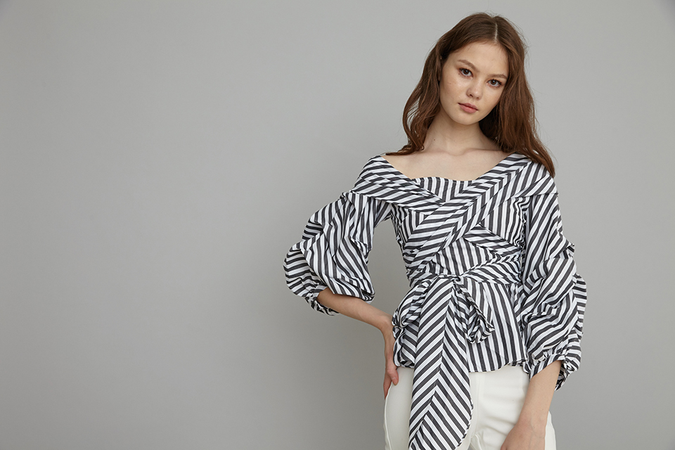 pouffy sleeves wrap top in stripes