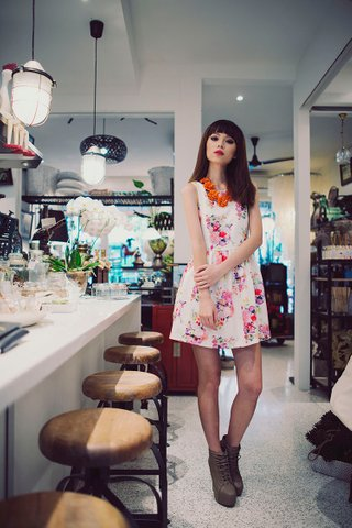 FLORAL ON NEOPRENE DRESS IN OFFWHITE