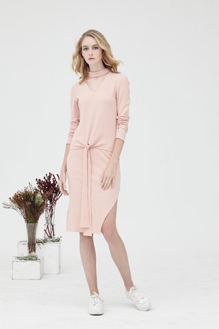 Irene Choker Collar Knit Set in Pink