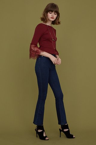 LEXY Lace Cuff Ribbed Top in Maroon