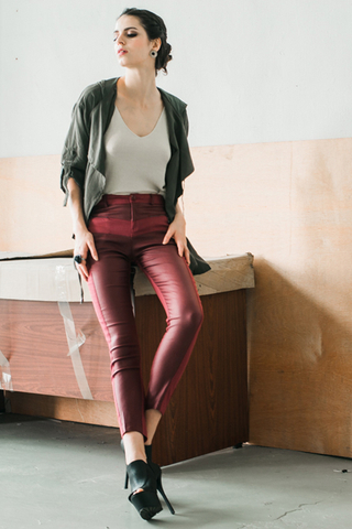 Leather pants in red