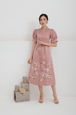 Ru Yi puffy sleeves embroidered dress in Pink